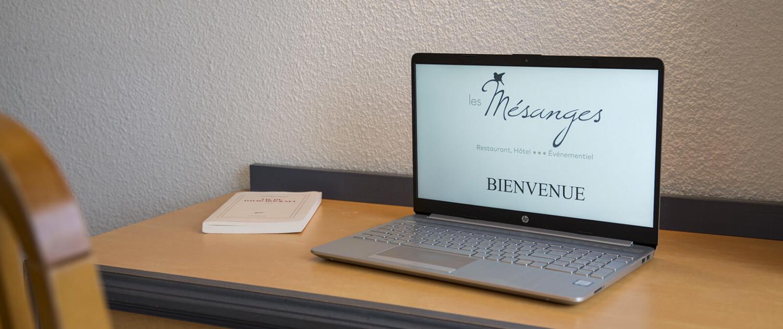 Chambre standard de l'Hôtel des Mésanges à Uriage-les-Bains
